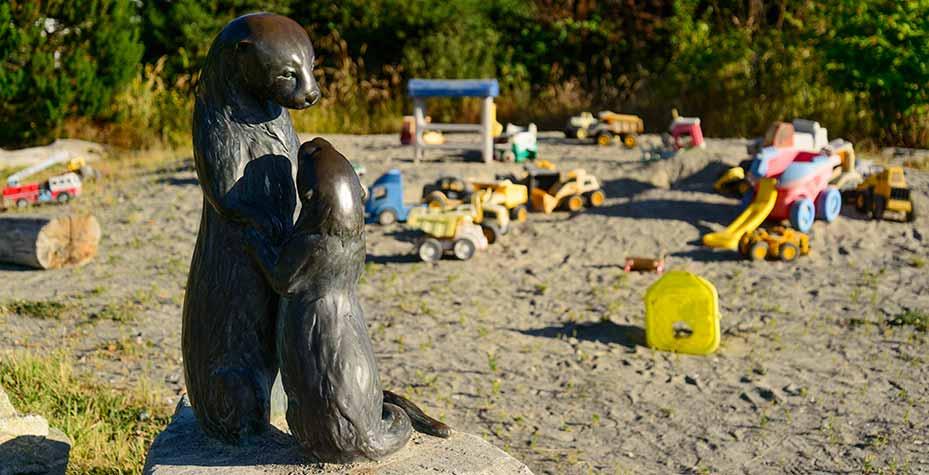 Otter Sculpture DNS0943