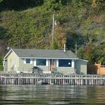 Cove-Beach-Cabin