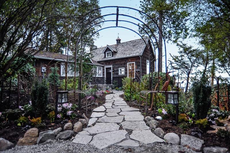 Coupeville-Cliff-House02
