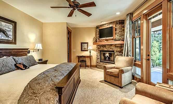 Soaring-Eagle-Lodge-Bedroom