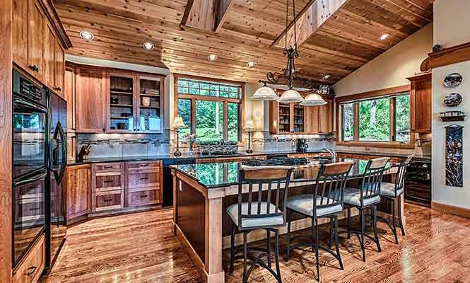 Soaring-Eagle-Lodge-Kitchen