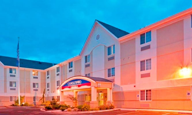 Candlewood-Suites