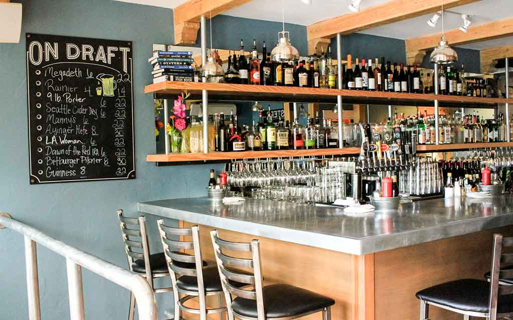 Saltwater Fish House and Oysterbar 4038